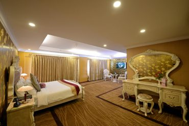 Royal Family Suite Room